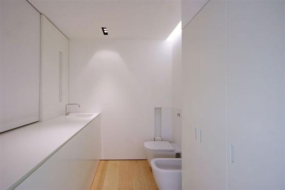 Como-Loft-Milan-Minimal-Compact-Bathroom